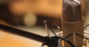 Condenser Vs. Dynamic Microphones